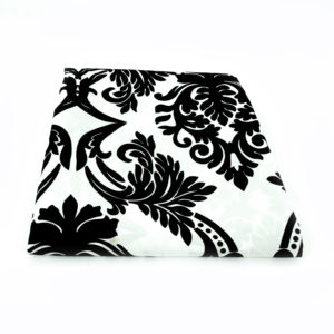 Rectangular Damask tablecloth. Black and white. 275cm x 120cm.