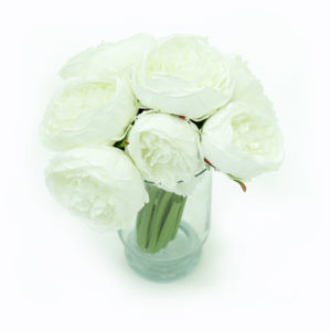 White bouquet of flowers for styling.