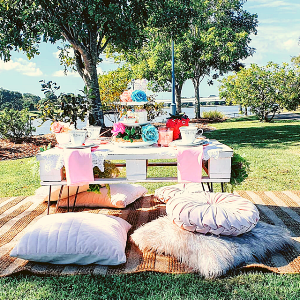 Gorgeous garden party package for 4 people. Perfect for relaxing outdoors with your friends and family. Just add cake!