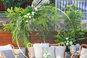 Round flower mesh frame for styling weddings.