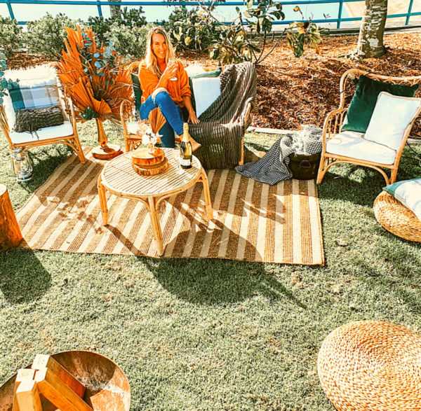 Create this cosy winter forest fire in your own back yard! This package is a perfect size for 8 guests or if you want to invite more people, just add some extra bean bags. It's time for you to head over to our Portfolio tab and checked out our 'Aromatic Wintery Indulgence' blog where you'll find our delicious Mulled Wine Recipe... This is a fabulous entertainment package for connecting with your nearest and dearest.