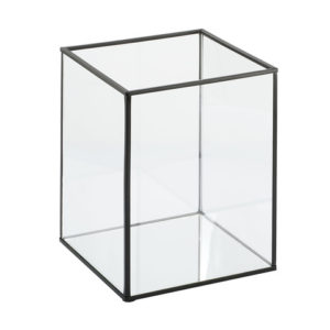 Sleek, modern candle holder to suit any occasion. Will fit one pillar candle.